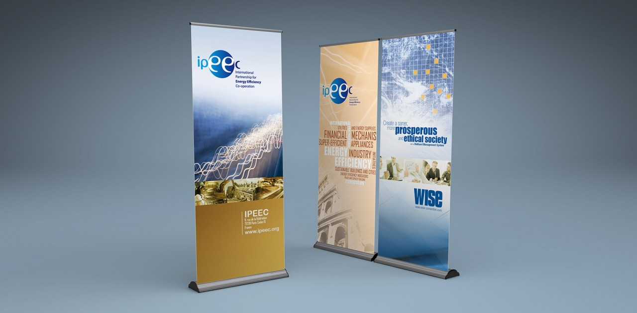 Banner Bug - Roll Up Banner Mock-Up_04